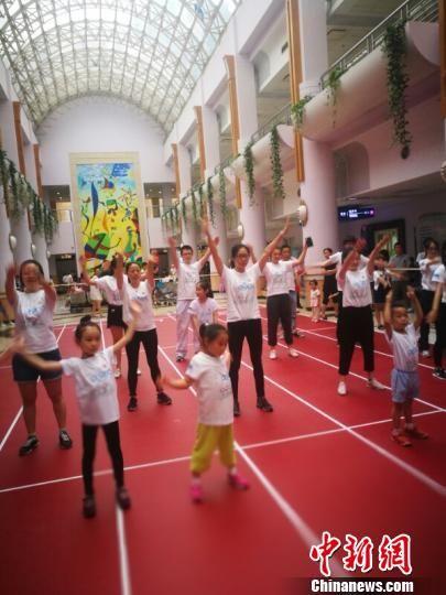 澳门威尼斯人电子游艺:哮喘患儿不能运动?专家鼓励进行规律的体育锻炼