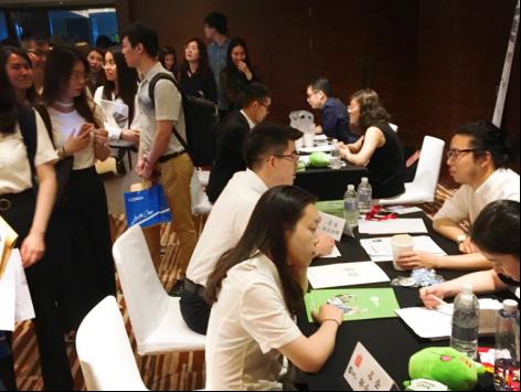 职业蛙顾问现场提供的求职服务受到大学生欢迎