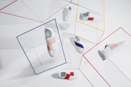 """上图为CHOCO CONCERT 2017AW USUAL UNUSUAL系列,其灵感来源于德国艺术家IMI KNOEBEL 的作品,将IMI KNOEBEL的绘画和雕塑中对色彩和形式结构的探索应用到CHOCO CONCERT 17AW的产品中,用充满活力、高亮度的色彩与鞋子结构进行色块组合。运用多样性色彩和几何松紧结构,对经典鞋款结构进行再设计,同时注重实用性和功能性,实现艺术与功能的结合。 Jil Sander曾说过:""""设计师越是刁钻蛮横,作品就越是明朗。拿走的东西越多,留下的就越纯粹。""""USUAL UNUSUAL无不透露一种""""极简""""的风格,可""""极简""""不代表没有主题、思想,只是我们把想象、构建的权利留给观赏他的人。将色块概念和几何构造与时尚融合,整体的简约与深厚的情感中把握艺术冲突的美感,以线条的张力、造型的流畅、材质的讲究,呈现出时装鞋的外廓和耐人品味的细节。时尚就意味着不是古董,流行性是设计重要的属性之一。时尚就意味着不是距离感,可穿性是CHOCOCONCERT注重的品质之一。好的作品离不开构思,离不开灵感来源,但从灵感到成品鞋的过程,才是最值得我们学习的地方。"""
