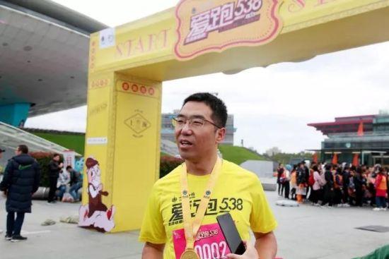 上海华氏大药房连锁有限公司助理总经理杨少麟接受采访