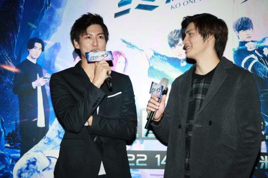 马振桓(图左)表示蓝斯洛是一个全新的角色,非常酷帅且有担当。/官方供图