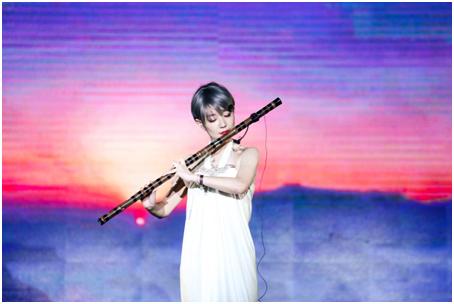 奥斯卡最佳音乐《卧虎藏龙》竹笛演奏艺术家荣颖现场演绎