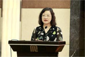 上海中央新闻单位和省市媒体驻沪机构工作委员会会长、新华社上海分社社长姜微做工作总结发言.