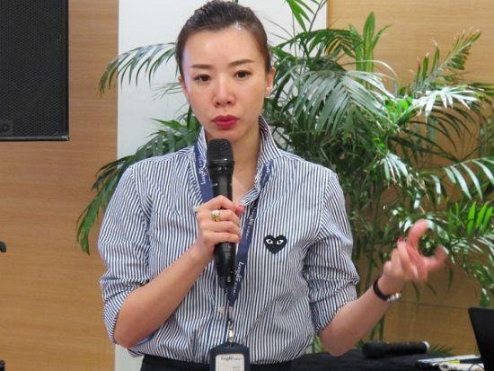 上海龙湖冠寓负责人张日芳介绍公司拓展概况。