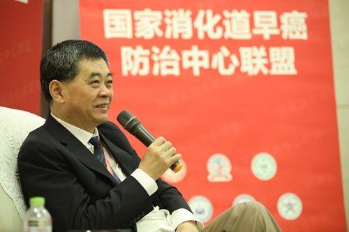 中国工程院院士、国家消化病临床医学研究中心(上海)主任李兆申院士