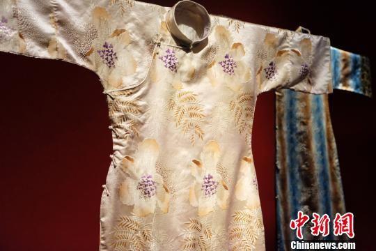 重庆时时彩规律破解:台湾收藏家逾百件海派旗袍入藏上海市历史博物馆
