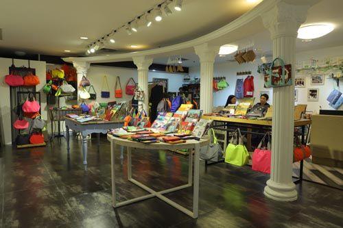 诸多时尚产业领域企业入驻世贸 彭小溪摄