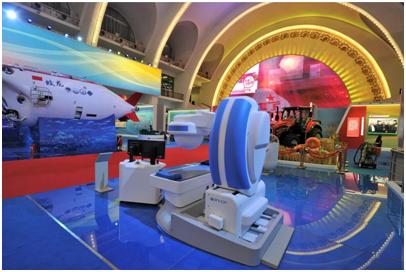 """安翰""""磁控胶囊胃镜""""机器人同蛟龙号载人深潜器、复兴号高铁、天眼射电望远镜、热聚变实验堆、神威超级计算机等大型科技成果一起,作为主展区唯一一家民营高科技研发成就,向世界展示""""中国名片""""。"""