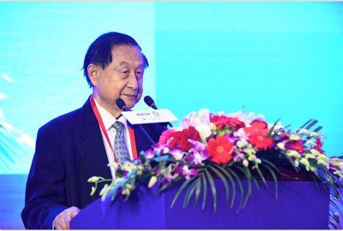 原国家体改委副主任、中国经济体制改革研究会原会长高尚全