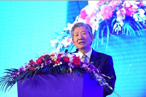 国务院发展研究中心研究员、原副主任侯云春