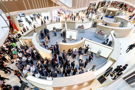 大英博物馆《亘古奥秘》流动体验馆吸引众多公众观赏。