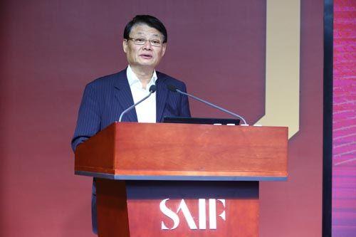 华夏新供给经济学研究院理事长、中国民生银行股份有限公司董事长洪崎