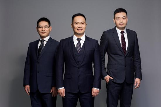 君智咨询创始人:谢伟山(中)、徐廉政(左)、姚荣君。