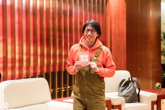 2月28日,著名编剧、导演林奕华现身上汽・上海文化广场。 /官方供图