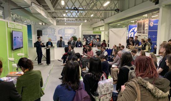 起点国际内容总监刘昱人在展会上发表演讲。 /阅文集团 供图