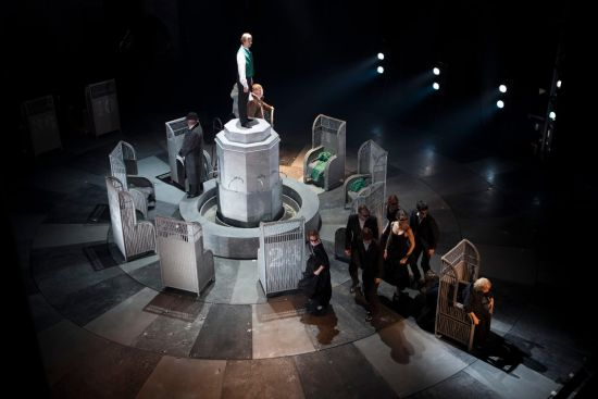 亚历山德琳娜大剧院《零祈祷》剧照。/官方供图