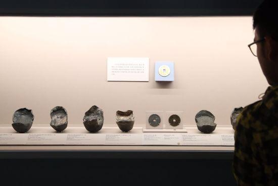 """""""熠熠千年:中国货币史中的白银""""特展。 /张亨伟 摄"""