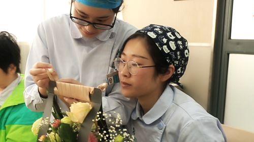 护士节邂逅母亲节 上海宏康医院白衣天使用花艺