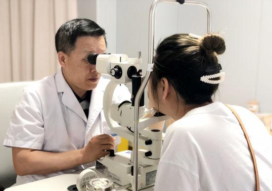 """近视矫正迈入""""晶体时代""""高端屈光手术平台在"""