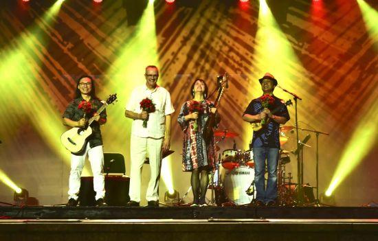 琵琶演奏家吴蛮和她的朋友们带来一场世界音乐之旅