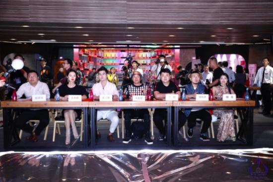 (由左至右:邱铭铭、金莉倩、张子阳、王钦贤、吴鹏、韩星洲、柳希)