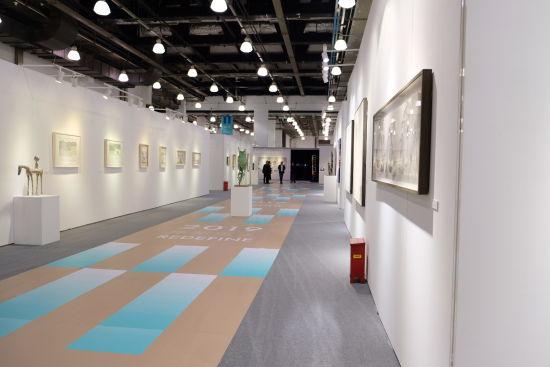 重新定义――2019上海青年艺术博览会。 /夏俊龙