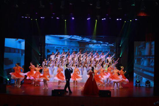 上海健康医学院歌舞表演《再一次出发》