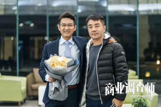 袁文康饰演林俊文(图左)和导演刘一志(图右)