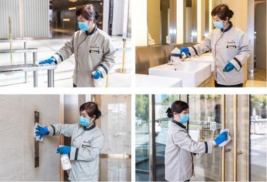 图:企业天地5号项目后勤人员对公区进行消毒。