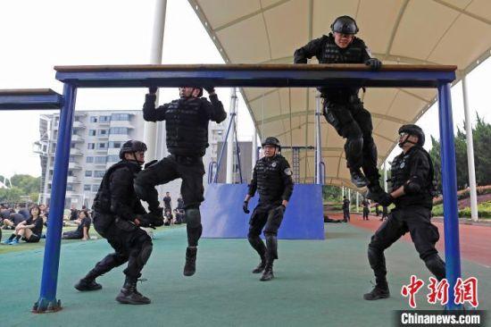 瞄准实战、苦练本领 上海公安特警开展春训大练兵
