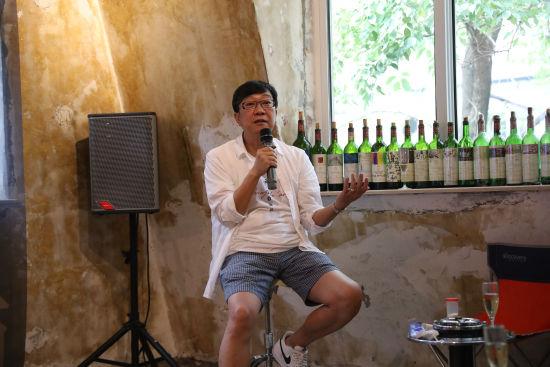 著名文化人曹启泰先生讲述艺术家创造心路。