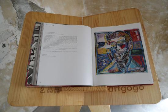 荷兰艺术家Peter Riezebos(彼得・莱兹伯斯)倾情创作的限量艺术书《AMICITIA》 张亨伟 摄