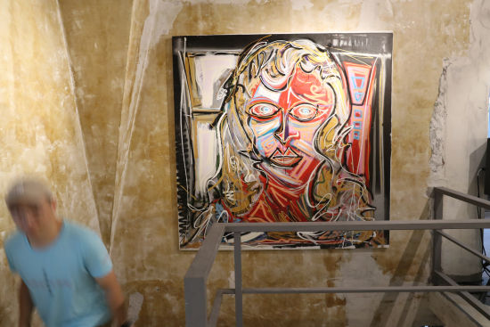 Villa artgogo艺高高艺术会所全场展示艺术家作品。张亨伟 摄