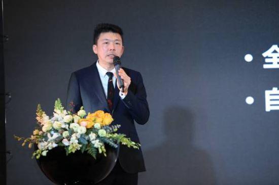 """中国知名连锁餐饮""""捞王""""董事长、墨白联合创始人李裕成做了《让墨白为生活增添色彩》"""