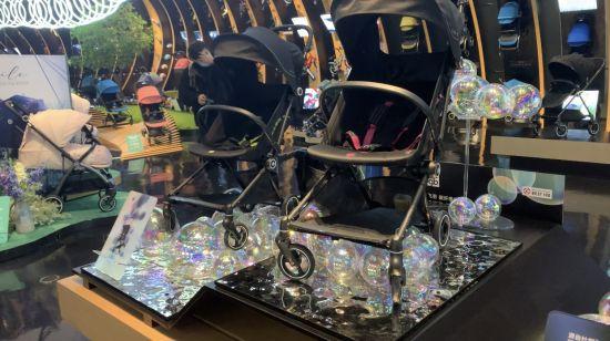 飞羽 碳纤维婴儿车 马丹琪摄