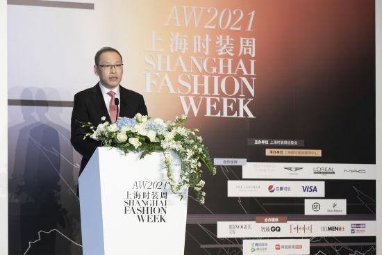 上海时装周组委会副主任兼秘书长朱勇。 /官方供图