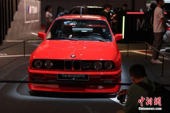 宝马经典M3车型亮相车展。 张亨伟 摄
