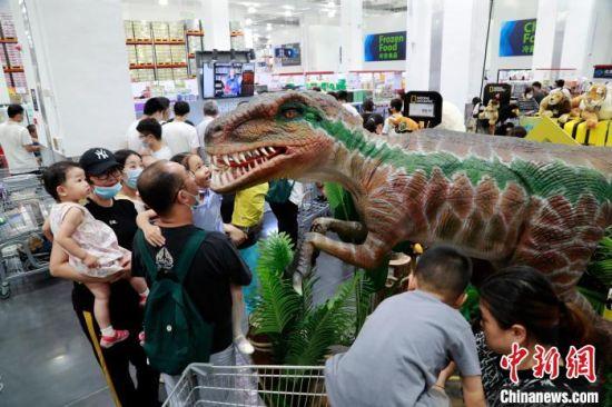 中国首家山姆旗舰店吸引顾客。 汤彦俊 摄