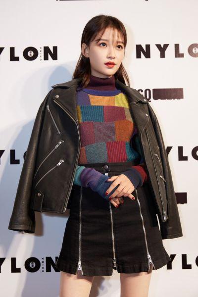 孙怡 in McQ Leather Jacket and Skirt/官方供图