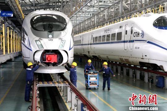 长三角铁路暑期运输启动 逾1.3亿?#27599;?#23558;选乘铁路出行