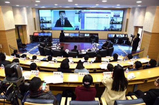 "mg电子游戏娱乐平台:上海百名法官集体宣誓_公众代表观摩""智慧法院""建设"
