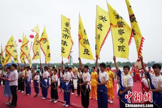 胜博发电子游戏大全:两岸城市龙舟赛在上海松江举行