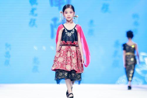 """电子游戏新网址:伊佳林IKALI为""""中国公主""""定制专属礼服和标准"""