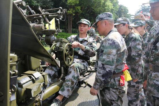 上海石化入职第一课,军训提素质