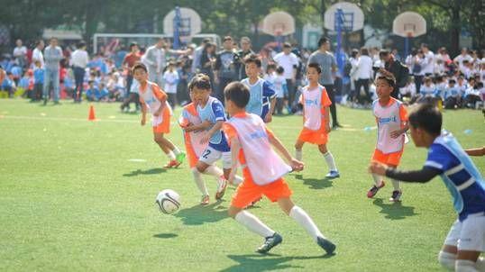 金沙国际娱乐官网:孙雯在沪助阵推广校园足球
