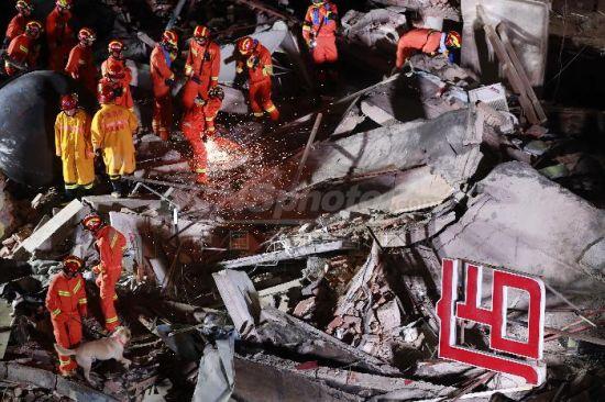 上海一建筑倒塌致多人伤亡