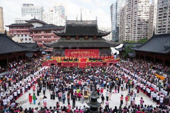 网上游戏赌博平台:上海百年名刹玉佛禅寺大雄宝殿平移顶升即位