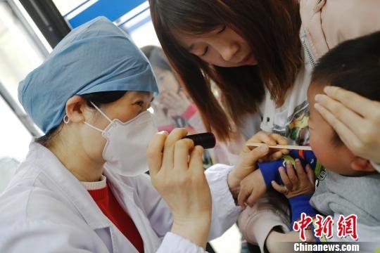 上海进入手足口病流行期 6个月到3岁以下儿童及时接种疫苗