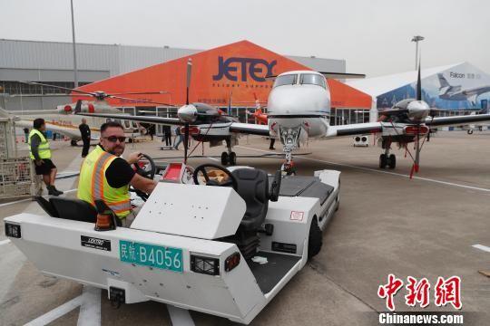 35架公务机齐聚上海虹桥国际机场
