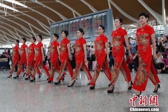中国传统文化展示亮相浦东国际机场